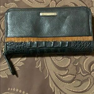 Pre-owned Leather Brahmin Wallet